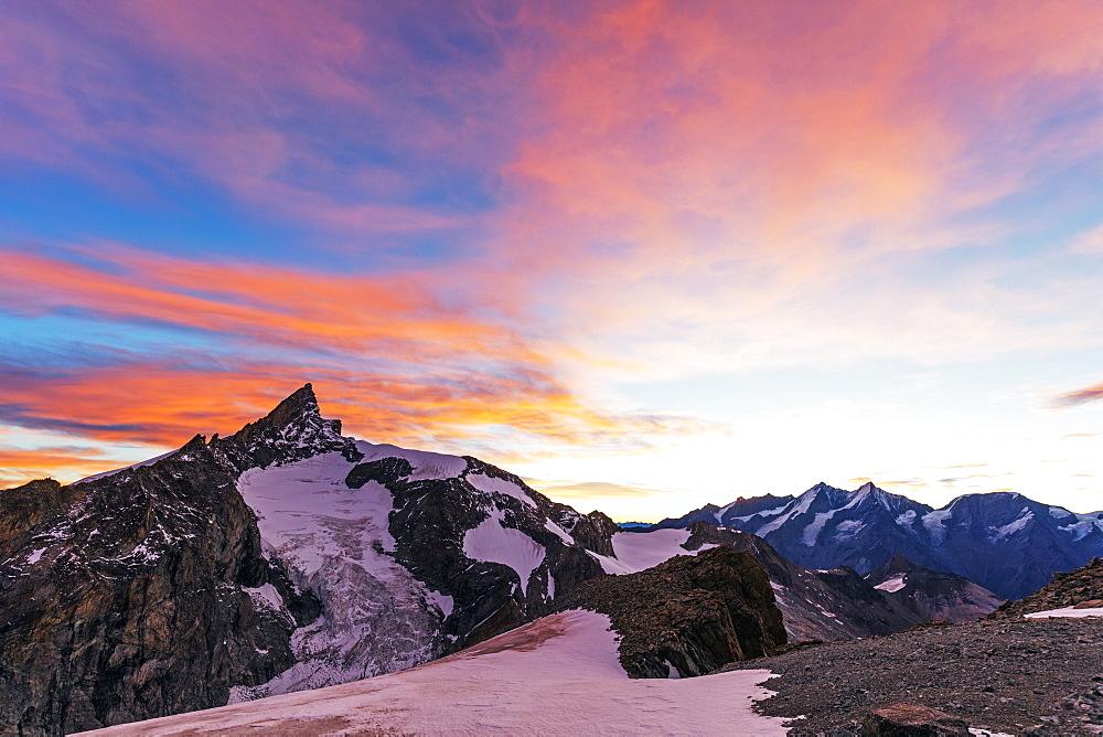 Western Europe, Switzerland, Swiss Alps, Valais, Zermatt, sunrise view of Zinalrothorn (4421m) from Ober Gabelhorn (4063m)