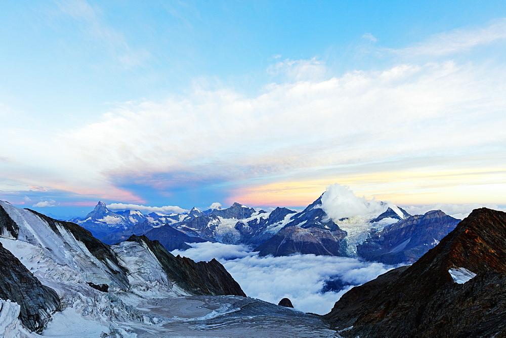 Western Europe, Switzerland, Swiss Alps, Valais, Zermatt, Matterhorn (4478m) and Weisshorn (4506m) at sunrise