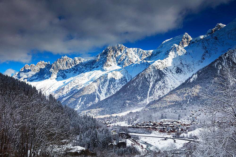 Les Houches village below Mont Blanc, Chamonix, Haute Savoie, Rhone Alpes, France, Europe - 733-7821