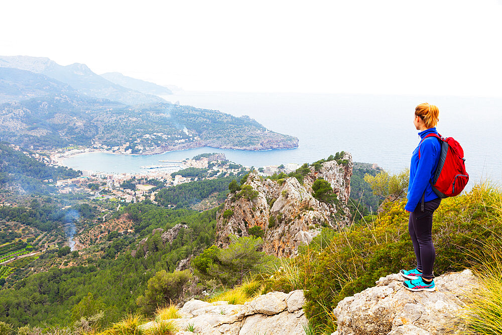 Serra de Tramuntura, hiker on a trail above Soller, Majorca, Balearic Islands, Spain, Mediterranean, Europe