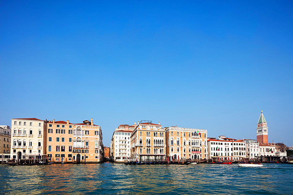 Historic Venetian buildings on the Grand Canal, Venice, UNESCO World Heritage Site, Veneto, Italy, Europe - 733-7863