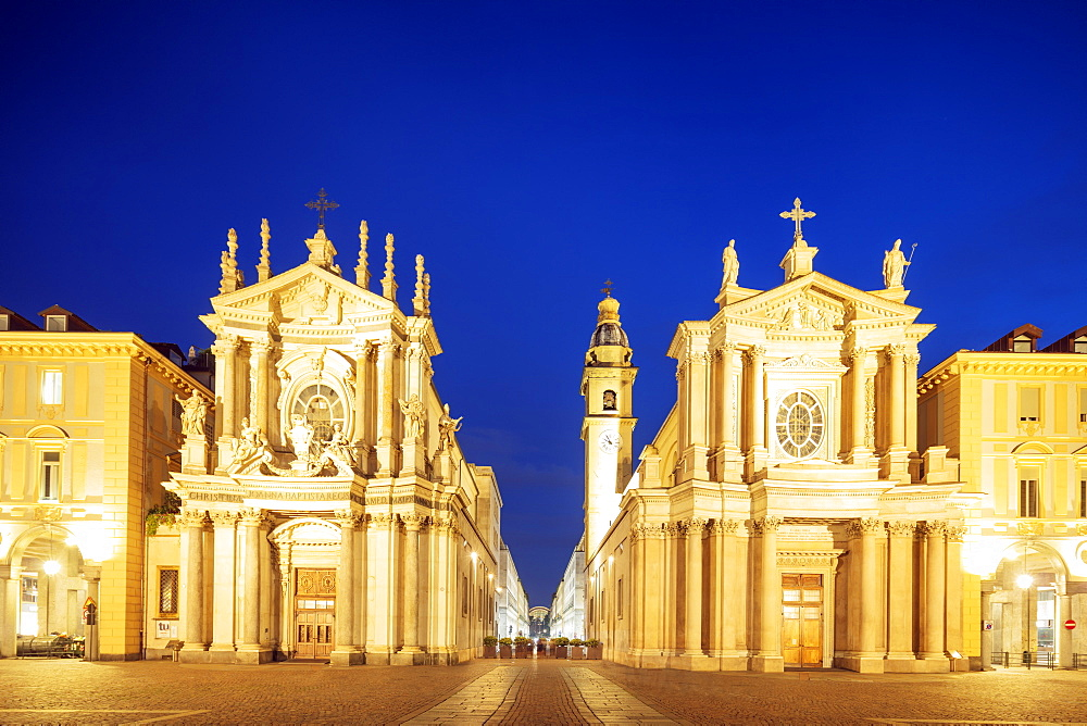 Europe, Italy, Piedmont, Turin, Piazza san Carlo, churches of Santa Cristina and Carlo Borromeo