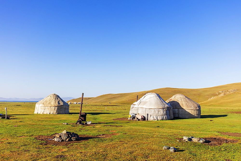 Yurt at Songkol Lake, Kyrgyzstan, Central Asia, Asia