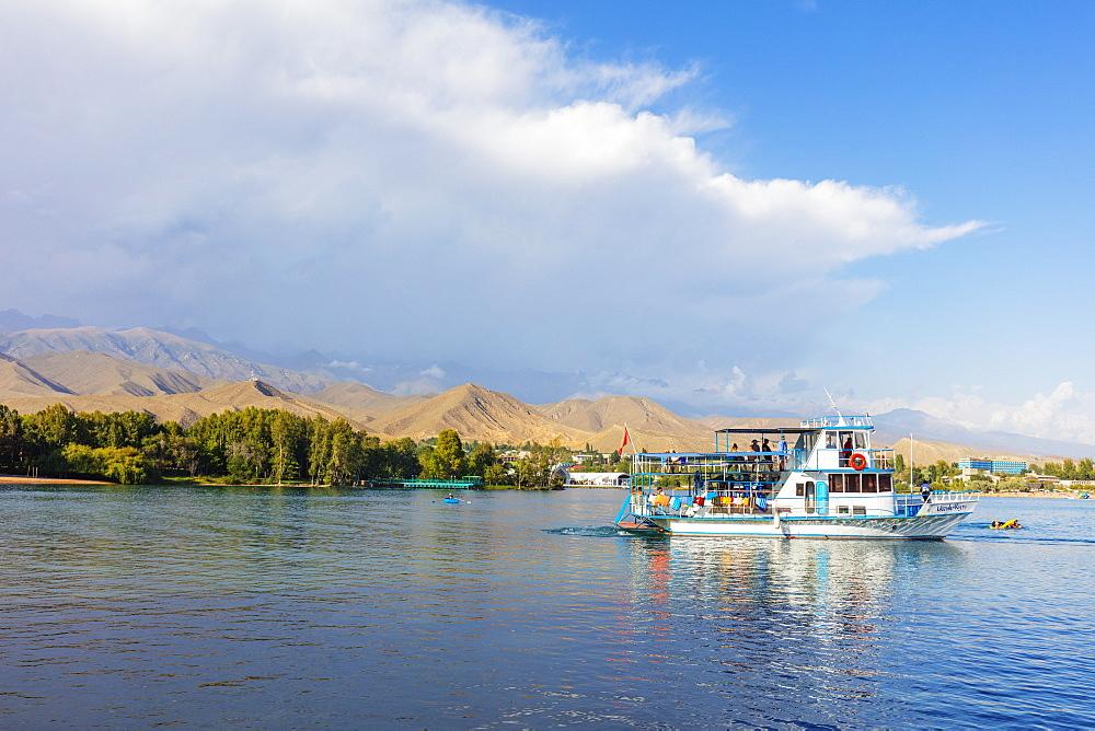 Cholpon Ata Beach, Lake Issyk Kol, Kyrgyzstan, Central Asia, Asia - 733-8070