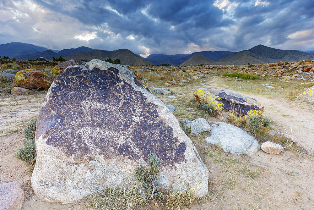 Petroglyphs dated around 1000 BC, Cholpon Ata, Kyrgyzstan, Central Asia, Asia