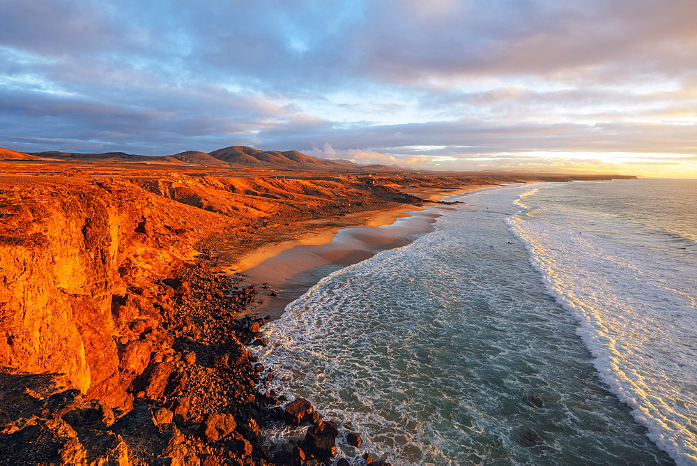 Europe, Spain, Canary Islands, Fuerteventura, El Cotillo coastal scenery at sunset - 733-8412