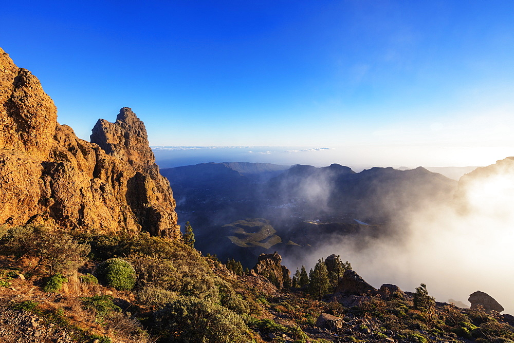 Pico de Las Nieves, 1949m, highest point in Gran Canaria, Gran Canaria, Canary Islands, Spain, Atlantic, Europe