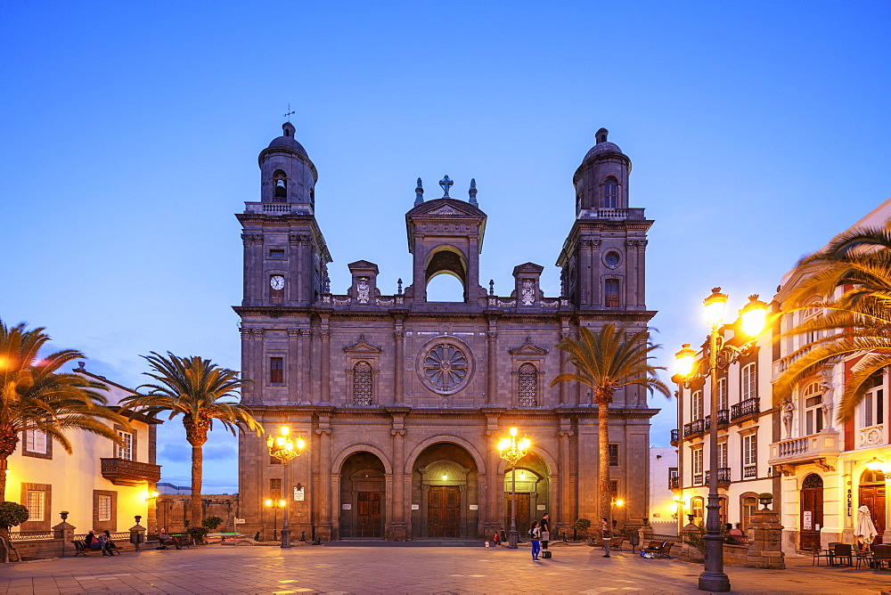 Europe, Spain, Canary Islands, Gran Canaria, Santa Cruz de Gran Canaria, Cathedral de Santa Ana - 733-8456