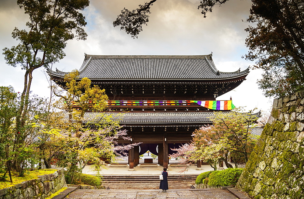Chion-in Sanmon temple gate, Kyoto, Japan, Asia