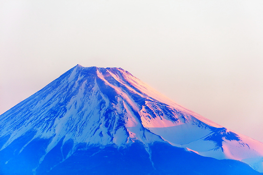 Mount Fuji, 3776m, at sunrise, UNESCO World Heritage Site, Shizuoka Prefecture, Honshu, Japan, Asia