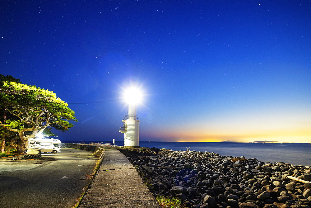 Camper van at a lighthouse, Heda Bay, Izu Hanto, Shizuoka Prefecture, Honshu, Japan, Asia