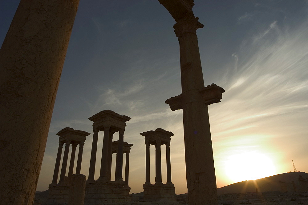 Sunset, archaelogical ruins, Palmyra, UNESCO World Heritage Site, Syria, Middle East