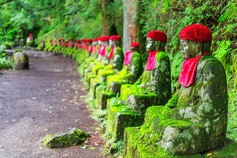 Japan, Honshu, Tochigi prefecture, Nikko, Unesco site, Narabi jizo temple guardian statues