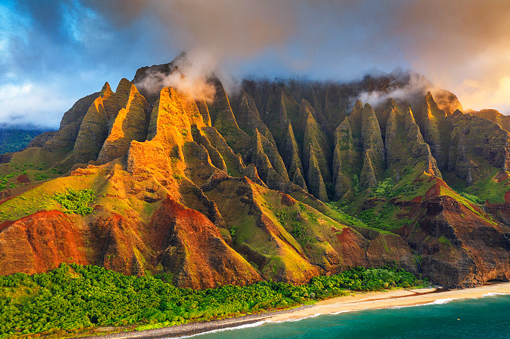 Pali sea cliffs on the Kalaulau trail, Napali Coast State Park, Kauai Island, Hawaii, United States of America, North America