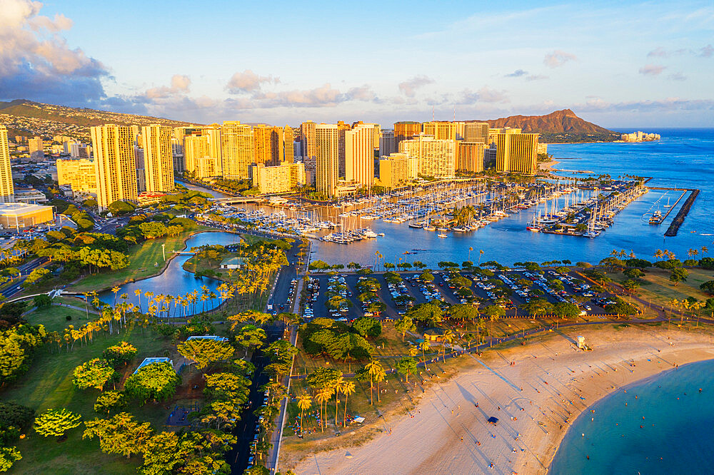 United States of America, Hawaii, Oahu island, Honolulu, Waikiki, aerial view of Diamond Head (drone) - 733-8985