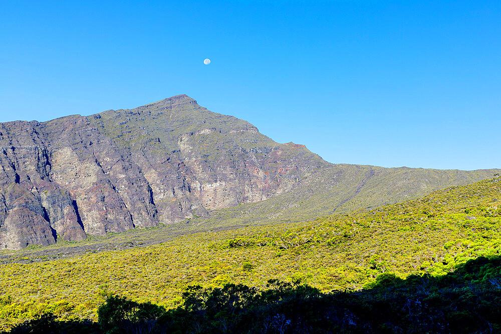United States of America, Hawaii, Maui island, Haleakala National Park, moonrise