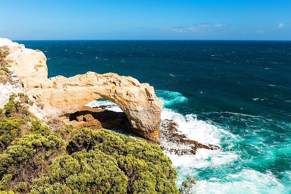 The Arch and Southern Ocean, Port Campbell National Park, Port Campbell, Victoria, Australia, Pacific - 737-733