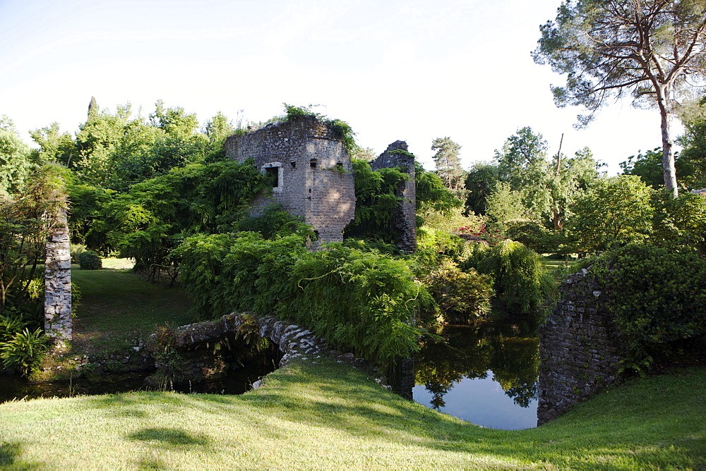 Ruins over the River Ninfa, the Gardens of Ninfa, Cisterna di Latina, Lazio, Italy, Europe - 739-1379