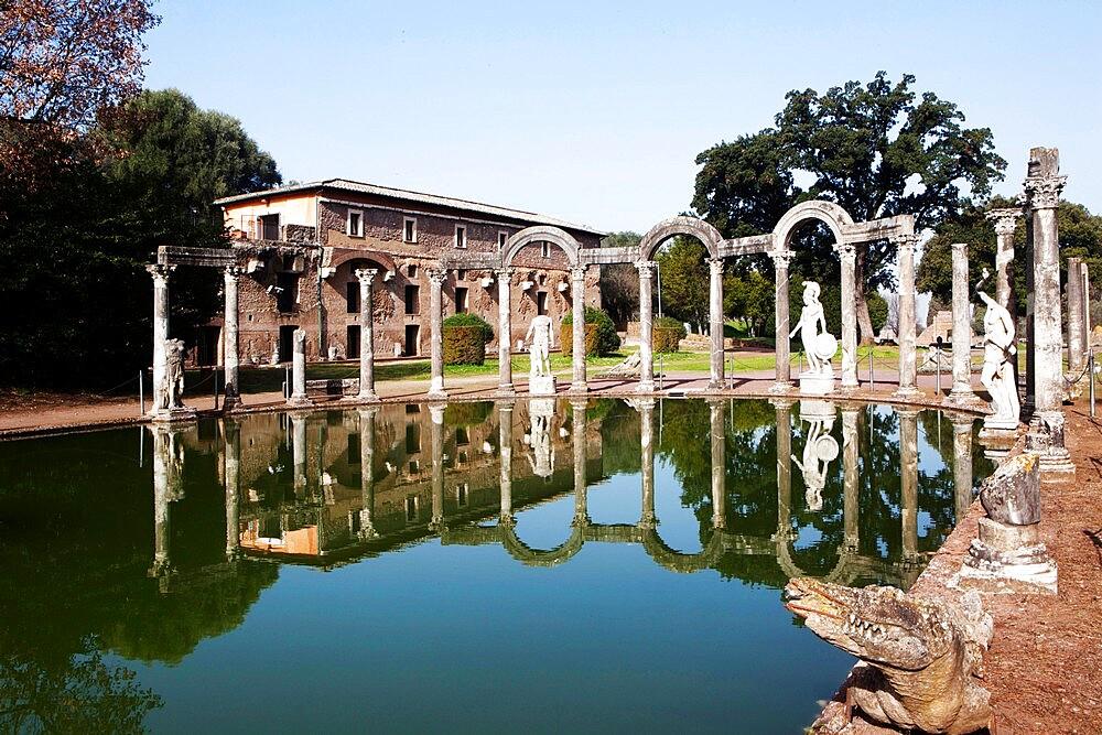 The Crocodile in the Canopus pool, Villa Adriana (Hadrian's Villa), UNESCO World Heritage Site, Tivoli, Lazio, Italy, Europe - 739-1487