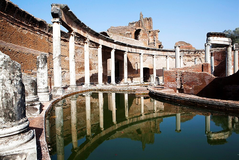 Maritime theatre, Villa Adriana (Hadrian's Villa), UNESCO World Heritage Site, Tivoli, Lazio, Italy, Europe - 739-1488