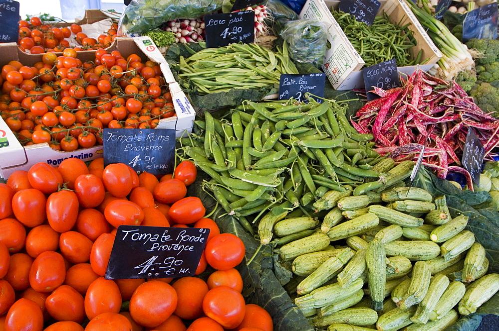 Marche aux Fleurs, Cours Saleya, Nice, Alpes Maritimes, Provence, Cote d'Azur, French Riviera, France, Europe