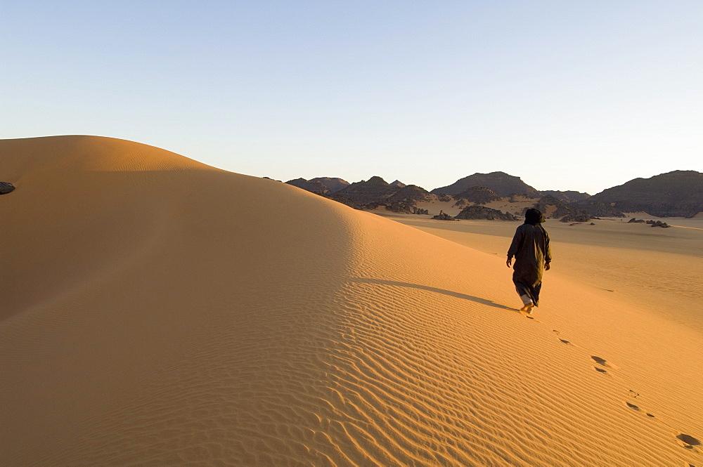 Tuareg, Akakus, Sahara desert, Fezzan, Libya, North Africa, Africa