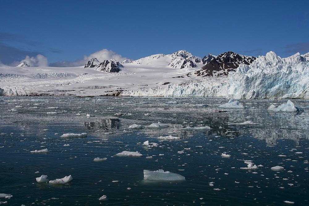 Lilliehook Glacier, Spitsbergen, Svalbard Islands, Norway. - 741-5690