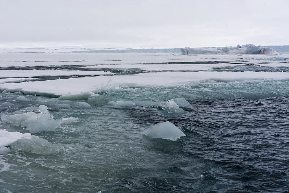 Brasvellbreen, Austfonna ice cap, Nordaustlandet, Svalbard Islands, Arctic, Norway, Europe