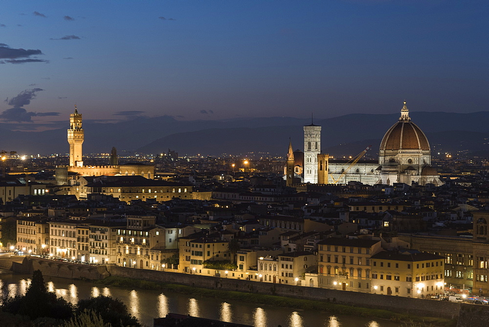 A view of Florence at dusk, Florence, Tuscany, Italy, Europe