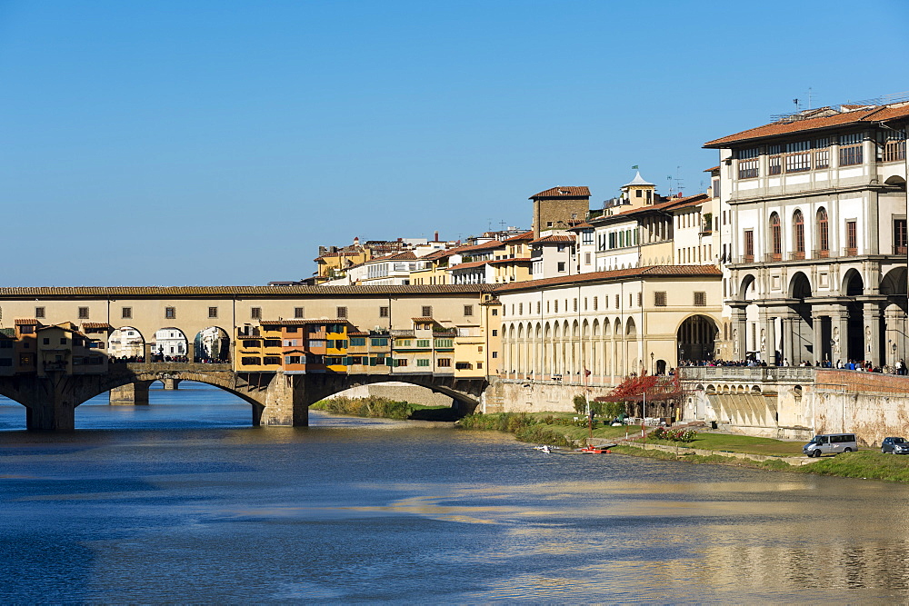 Ponte Vecchio bridge on Arno River, UNESCO World Heritage Site, Florence, Tuscany, Italy, Europe