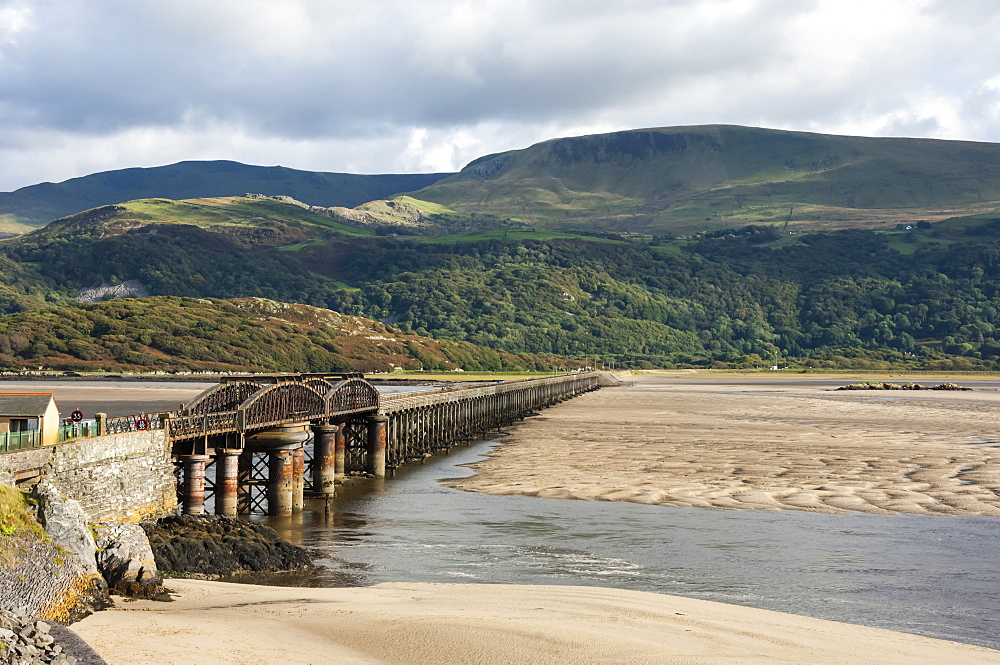 Barmouth Bridge/Viaduct, largely wooden con., on Cambrian Coast Railway across River Mawddach, Cardigan Bay, Gwynedd, Wales, UK - 747-1883
