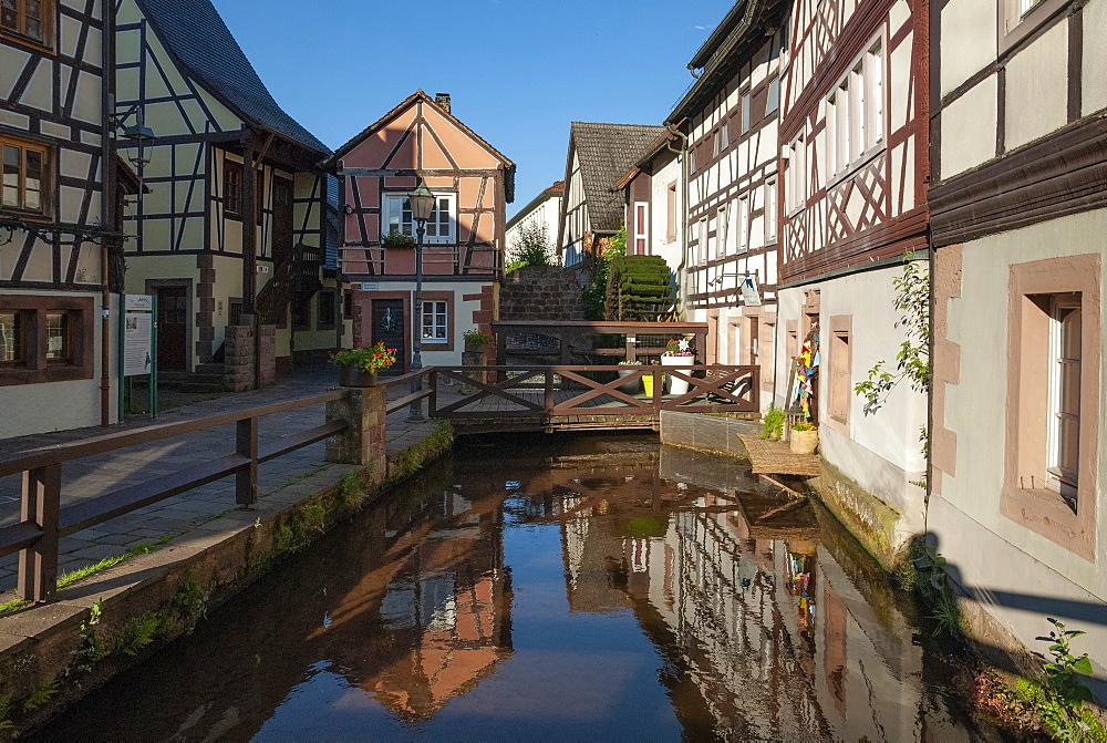 Annweiler am Trifels, Millwheel, River Queike, Rhineland-Palatinate, Germany, Europe - 747-1937