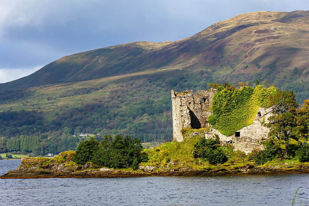 The 15th century Castle Lacklan, Clan Maclachlan, Loch Fyne, Argyll and Bute, Western Scotland, United Kingdom, Europe