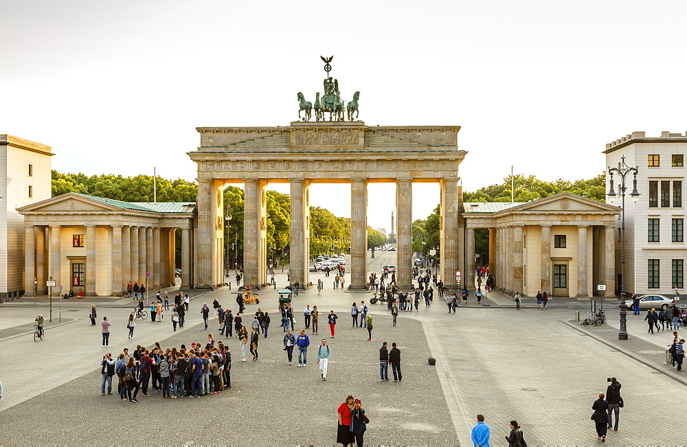 Brandenburg Gate (Brandenburger Tor), Mitte, Berlin, Germany, Europe - 749-2287