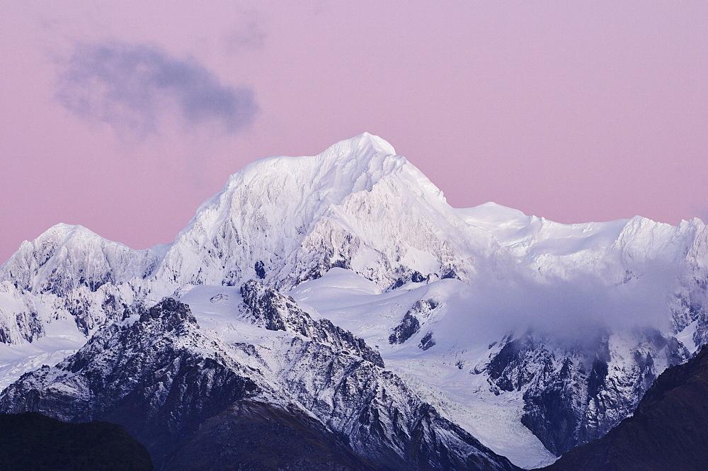 Mount Tasman, Aoraki National Park (Mount Cook National Park), UNESCO World Heritage Site, Southern Alps, South Island, New Zealand, Pacific