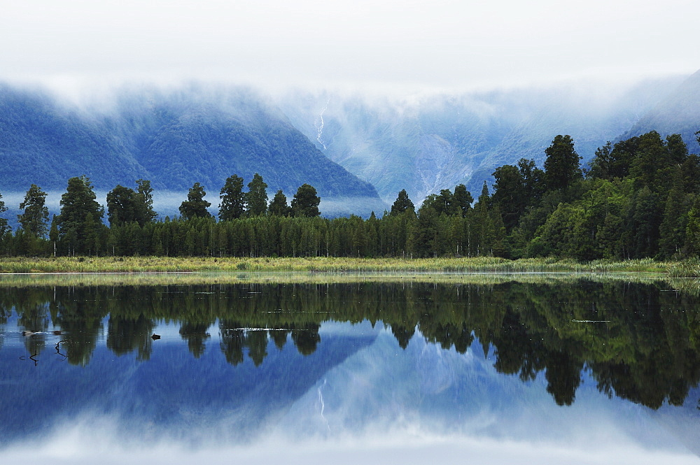 Lake Matheson, Westland Tai Poutini National Park, UNESCO World Heritage Site, West Coast, South Island, New Zealand, Pacific