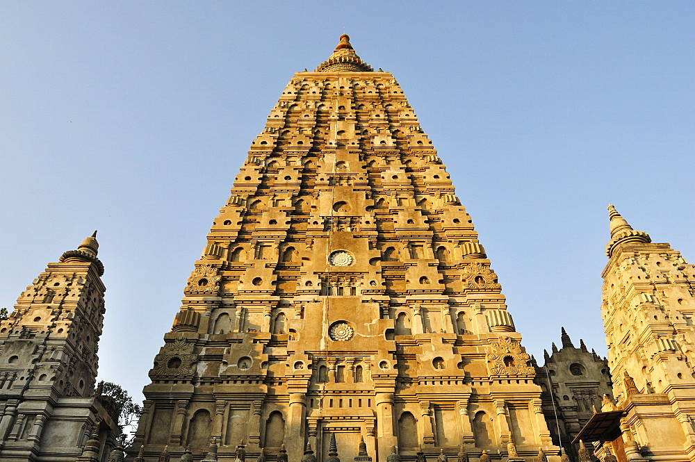 Mahabodhi Temple, UNESCO World Heritage Site, Bodh Gaya (Bodhgaya), Gaya District, Bihar, India, Asia - 756-1778