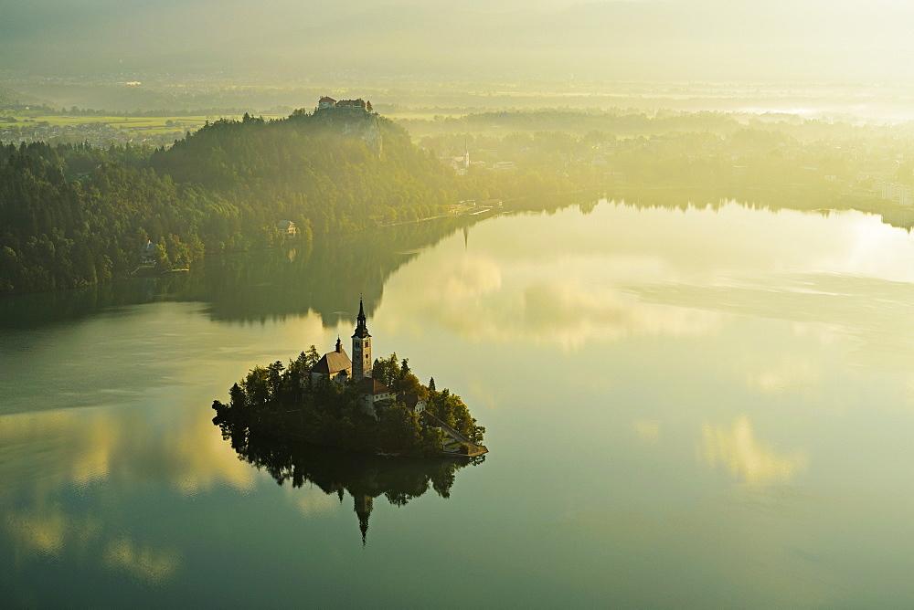 Lake Bled (Blejsko jezero), Bled, Julian Alps, Slovenia, Europe - 756-2741