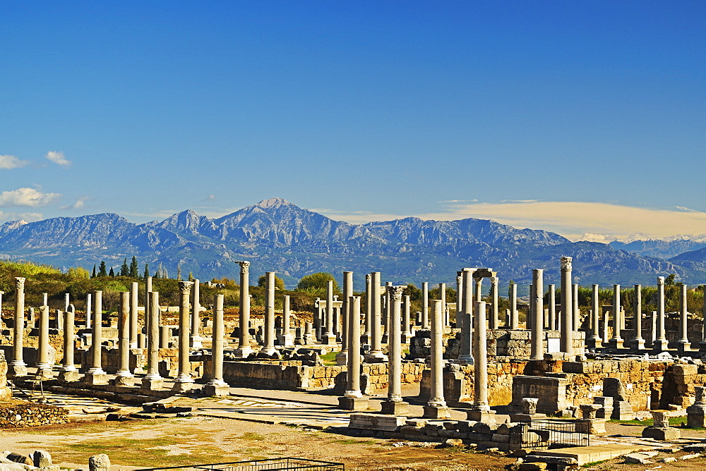 Ancient city of Perge and Taurus Mountains, Antalya Province, Anatolia, Turkey, Asia Minor, Eurasia - 756-2785