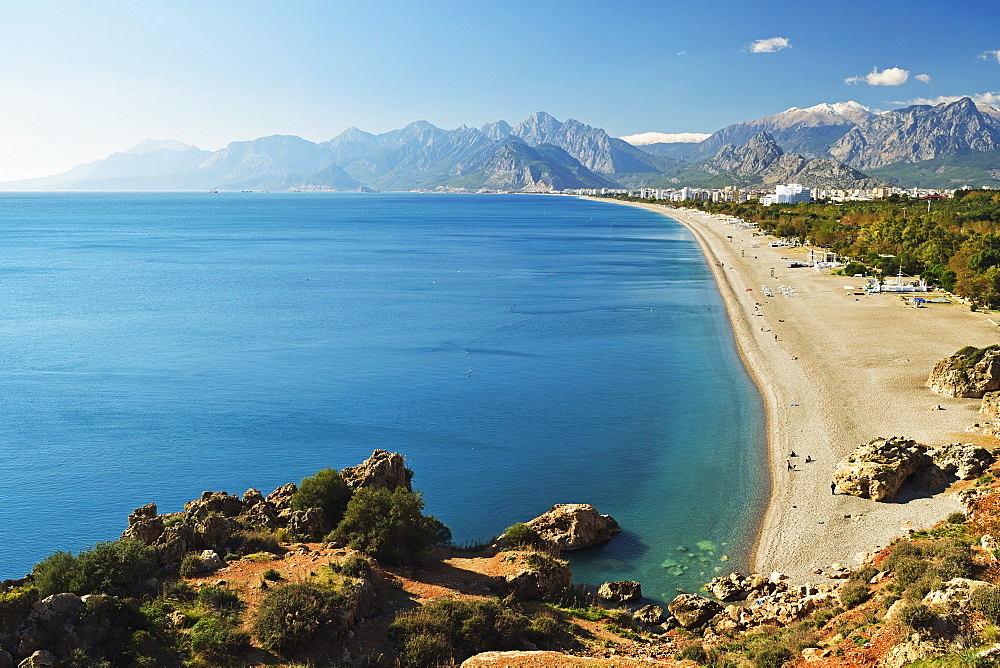 Konyaalti beach, Antalya, Taurus Mountains and Mediterranean Sea, Antalya Province, Anatolia, Turkey, Asia Minor, Eurasia - 756-2791