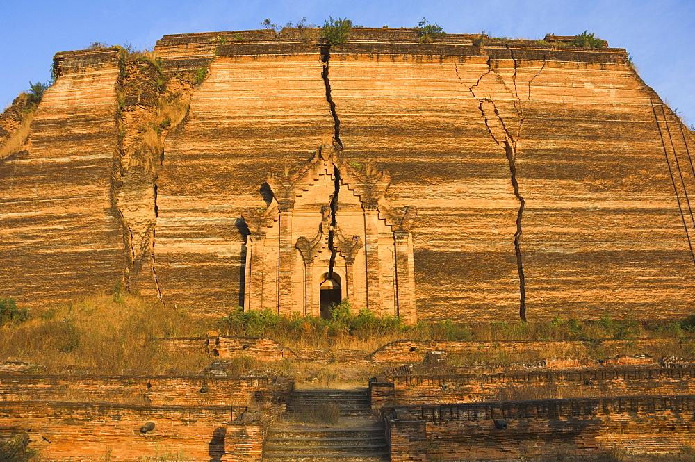 Mingun Pagoda, Mingun, Myanmar (Burma), Asia