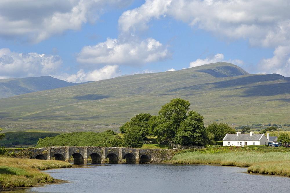 Ancient bridge near Newport, County Mayo, Connacht, Republic of Ireland (Eire), Europe