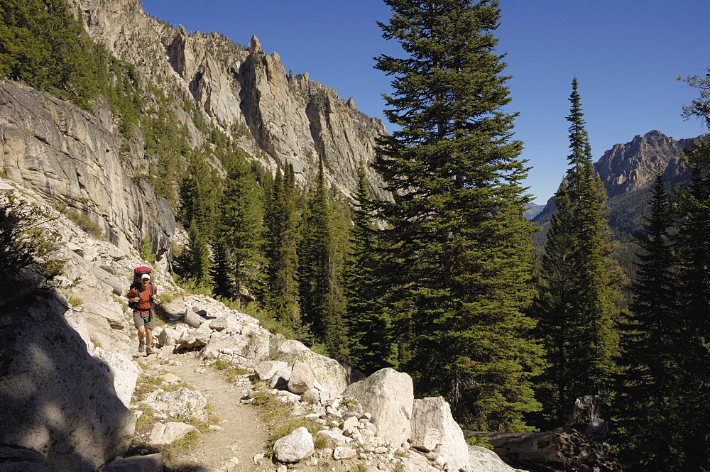 Hiking in the Sawtooth Mountains, Sawtooth Wilderness, Sawtooth National Recreation Area, Rocky Mountains, Idaho, United States of America, North America