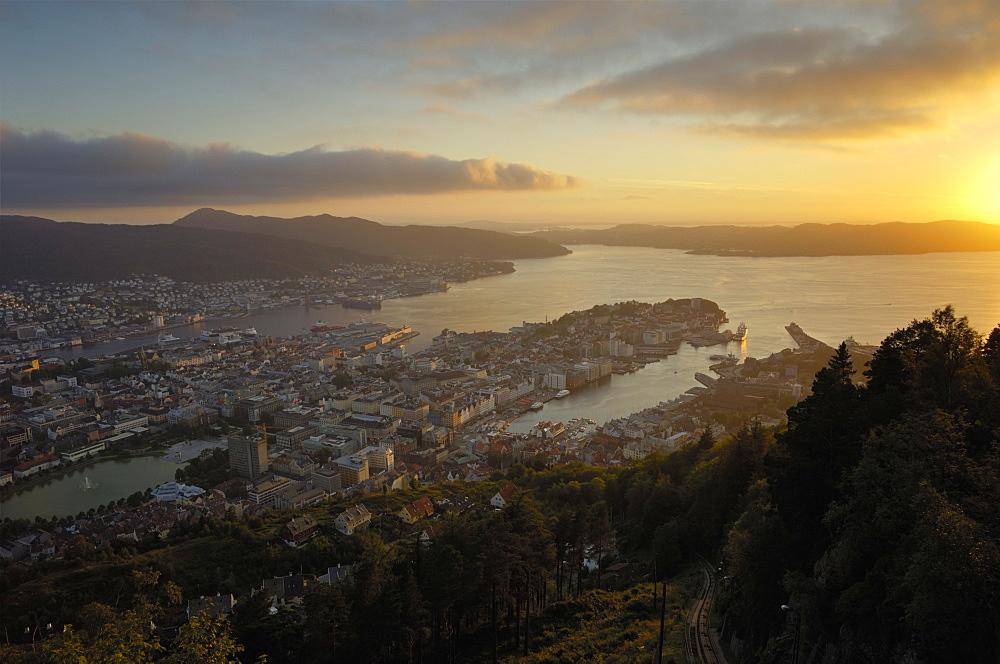 View of Bergen from Mount Floyen, Bergen, Hordaland, Norway, Scandinavia, Europe