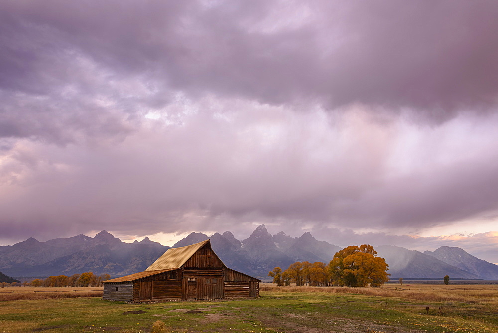TA Moulton Barn, Mormon Row, Grand Tetons National Park, Wyoming, United States of America, North America - 762-767