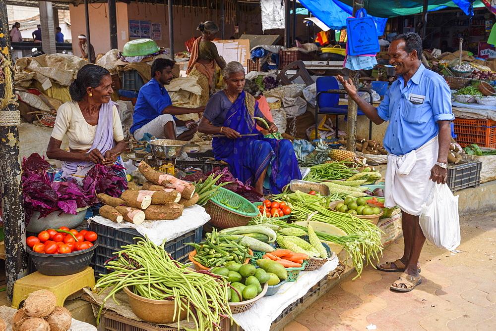 Fruit and vegetable stall at Conemara market, in Kerala, India, Asia