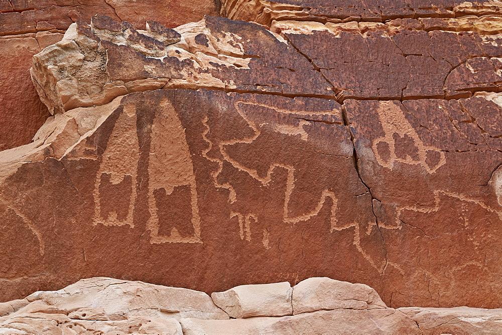 Petroglyphs near the Kohta Circus petroglyph panel, Gold Butte, Nevada, United States of America, North America