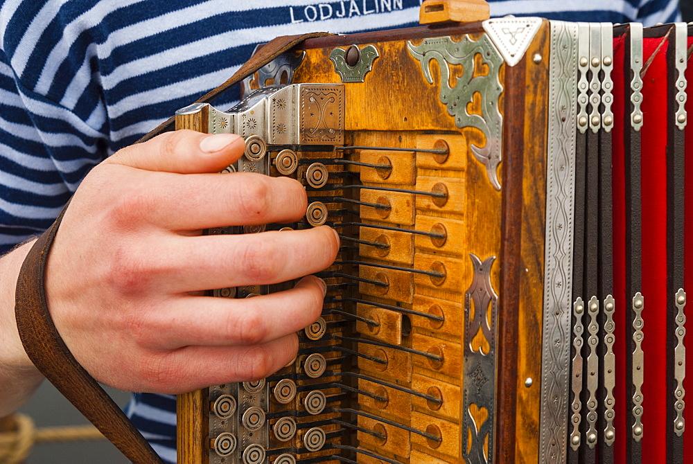 Accordion, ethnic group of musicians, River Emajogi, Tartu, Estonia, Baltic States, Europe - 765-1803