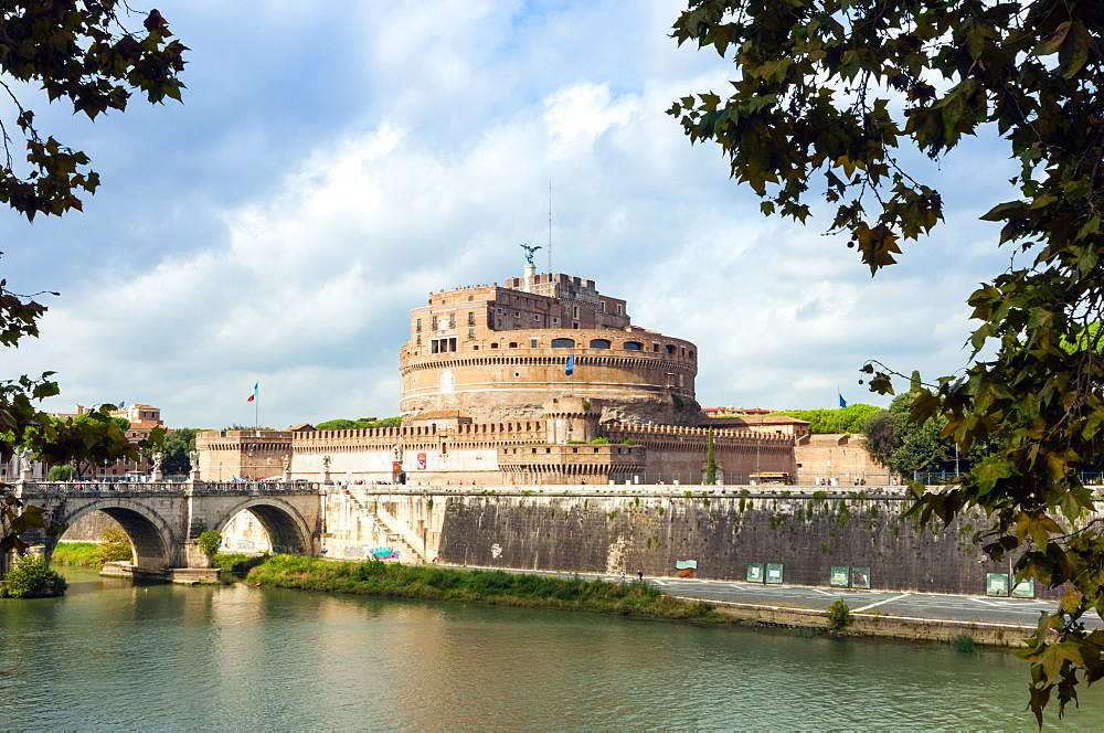 Mausoleum of Hadrian known as Castel Sant'Angelo, Ponte Sant'Angelo, Tiber River, Unesco World Heritage Site, Rome, Latium, Italy, Europe - 765-1949