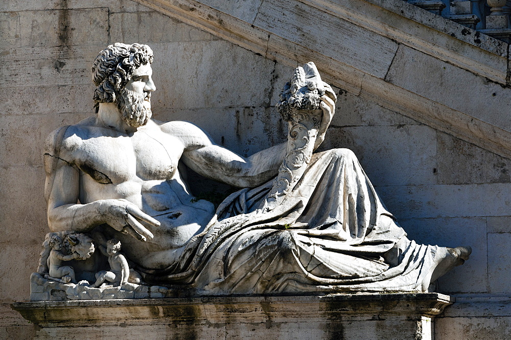 Statue of Tiber river in front of Palazzo Senatorio, Campidoglio, Capitoline Hill, Rome, Unesco World Heritage Site, Latium, Italy, Europe - 765-1970